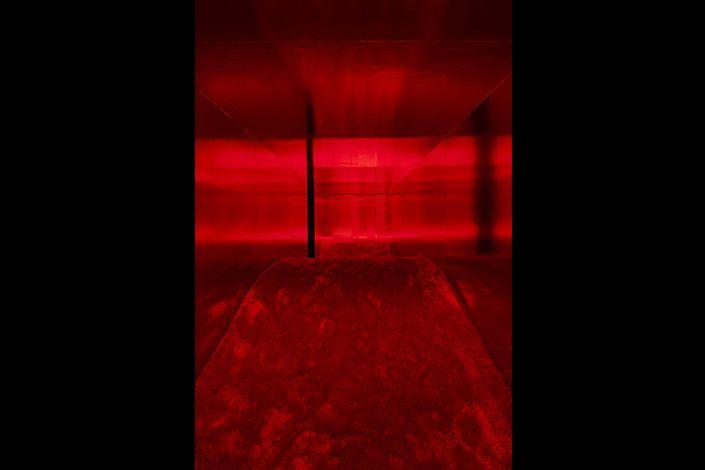 """Lucio Fontana in collaboration with Nanda Vigo, Ambiente spaziale: """"Utopie"""", nella XIII Triennale di Milano, 1964/2017, installation view at Pirelli HangarBicocca, Milan, 2017. Courtesy Pirelli HangarBicocca, Milan. ©Fondazione Lucio Fontana Photo: Agostino Osio"""