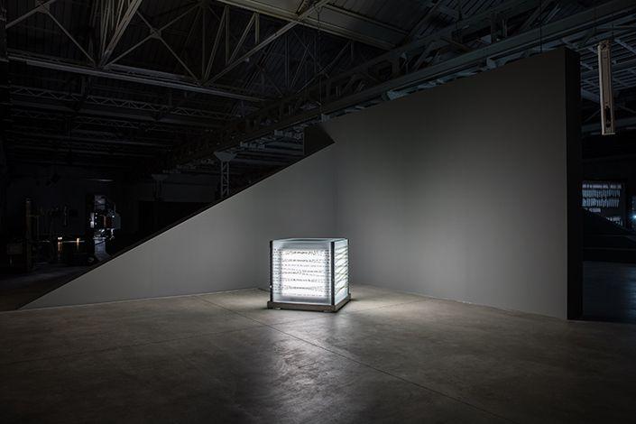 Rosa Barba, A Shark Well Governed, 2017; installation view at Pirelli HangarBicocca, Milan, 2017. Courtesy of the artist; Vistamare di Benedetta Spalletti, Pescara and Pirelli HangarBicocca, Milan. Photo: Agostino Osio