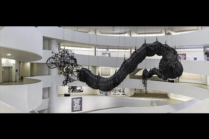 Chen Zhen Precipitous Parturition, 1999 Veduta dell'installazione, Solomon R. Guggenheim Museum, New York, 2017-18 Courtesy, Galleria Continua, San Gimignano / Beijing / Les Moulins / Habana © ADAGP, Parigi Foto: David Heald