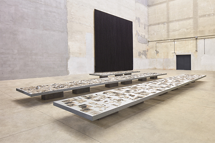 "Sheela Gowda ""Remains"", exhibition view at Pirelli HangarBicocca, Milan, 2019 Courtesy of the artist and Pirelli HangarBicocca Photo: Agostino Osio"