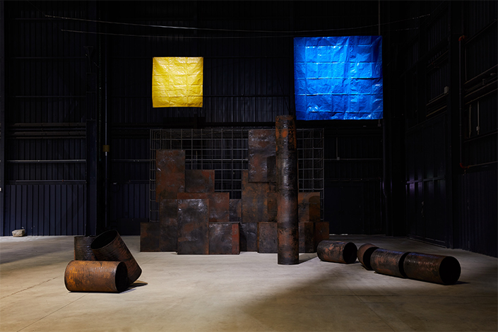 Sheela Gowda Kagebangara, 2008 Installation view at Pirelli HangarBicocca, Milan, 2019 Collection of Sunitha and Niall Emmart Courtesy of the artist and Pirelli HangarBicocca Photo: Agostino Osio