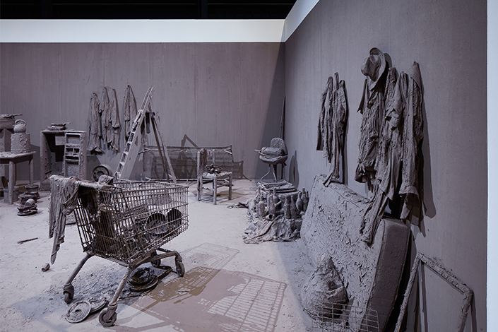 Chen Zhen Purification Room, 2000 (detail) Installation view, Pirelli HangarBicocca, Milan, 2020 © Chen Zhen by ADAGP, Paris Courtesy Pirelli HangarBicocca, Milan, and GALLERIA CONTINUA Photo: Agostino Osio
