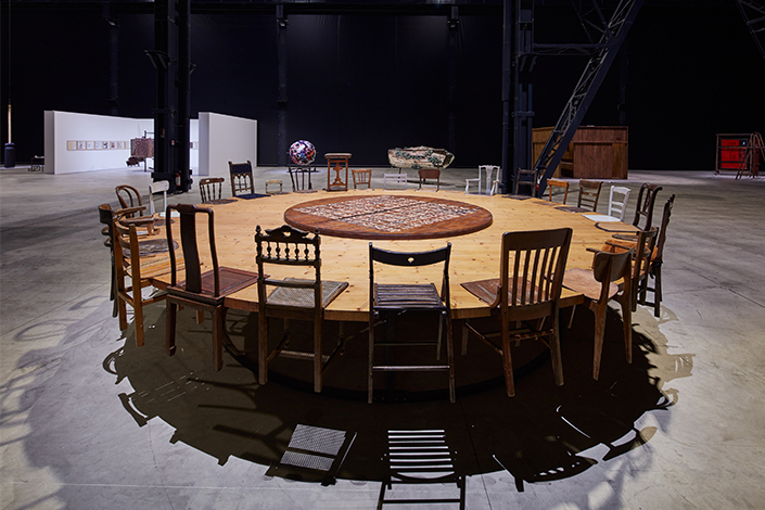 Chen Zhen Round Table, 1995 Installation view, Pirelli HangarBicocca, Milan, 2020 © Chen Zhen by ADAGP, Paris Courtesy Pirelli HangarBicocca, Milan Photo: Agostino Osio