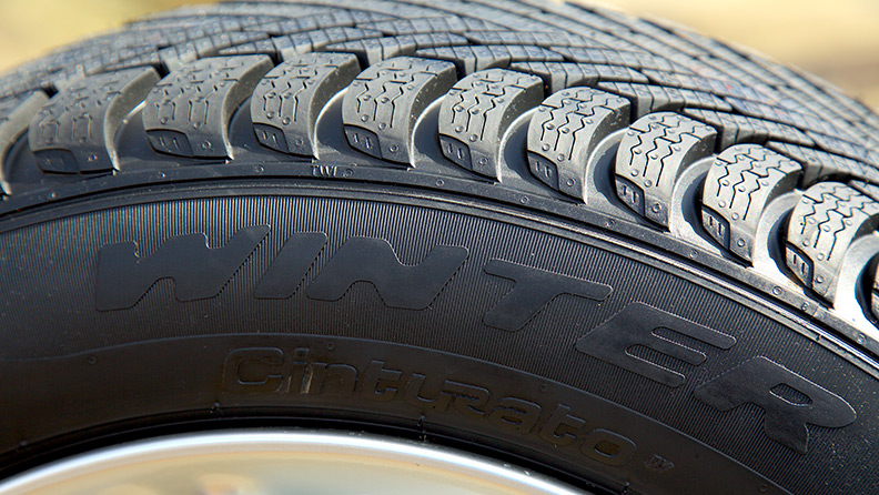 Winter tyres: travel safety even in the worst season 01