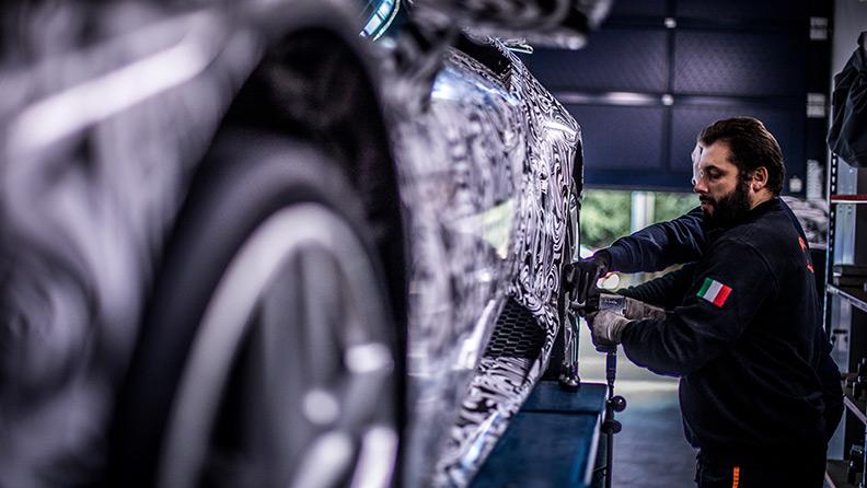 Pirelli segna con Lamborghini il nuovo record del Nürburgrind 03