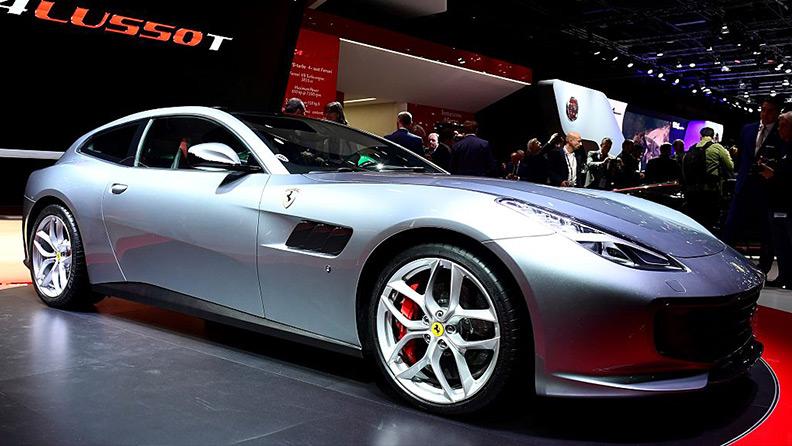 Chega ao Brasil em 2017, a Ferrari GTC4. O novo esportivo de luxo 01