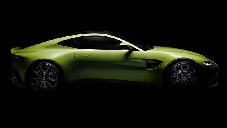 I pneumatici Pirelli P Zero sulla nuova Aston Martin Vantage 01