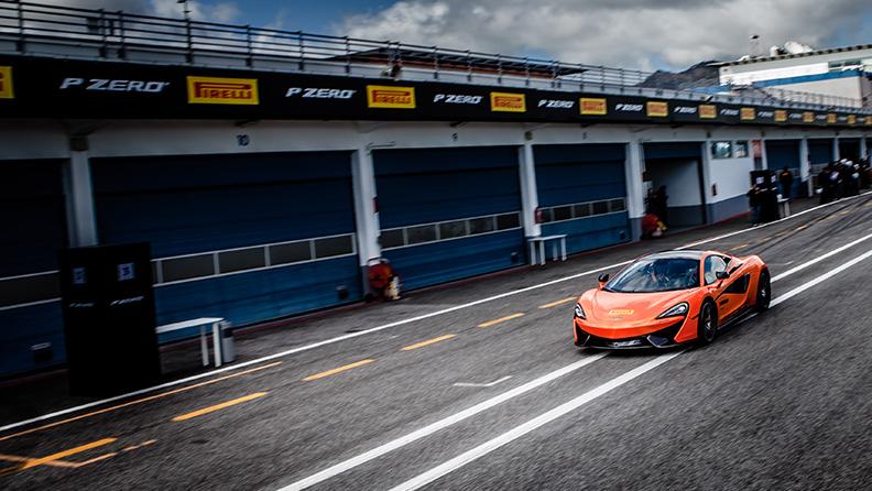F1, novità 2018, gli hot laps di Pirelli 02