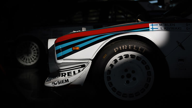 Rot, Hellblau und Dunkelblau: Kultfarben des Motorsports 02