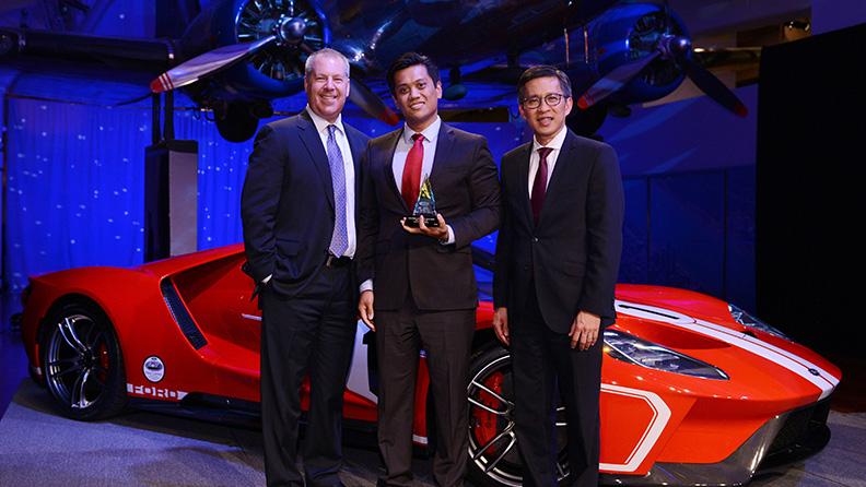 Medaglia d'oro di Ford a Pirelli
