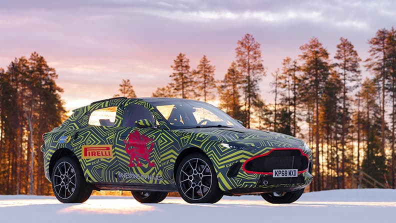Fast driving in super SUVs - Aston Martin DBX