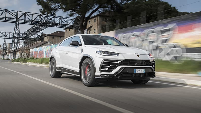 Fast driving in super SUVs - Lamborghini Urus