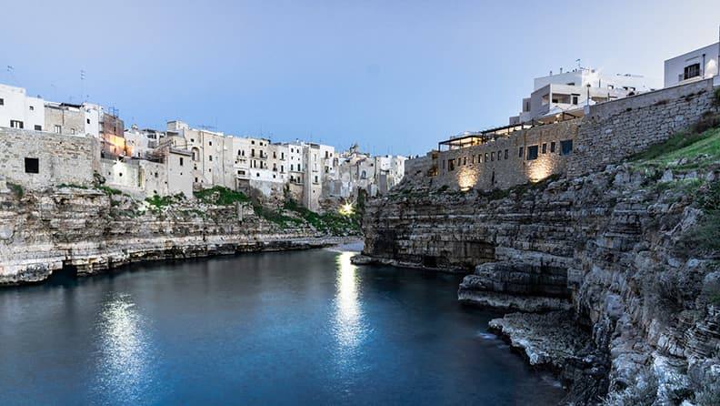 The leap of mankind in Polignano a Mare