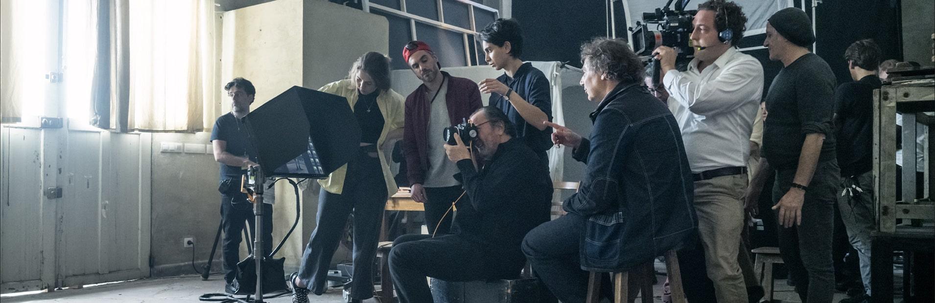 Calendario 2019 Attrici.Looking For Juliet Ecco Il Cast Del Calendario Pirelli 2020