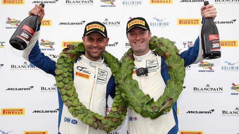 Scozzesi impavidi sul podio del GT britannico 01