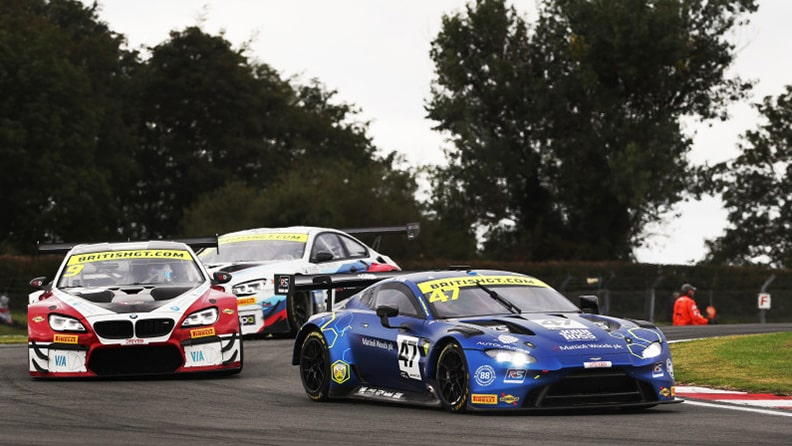 The great Scots on top in British GT 02