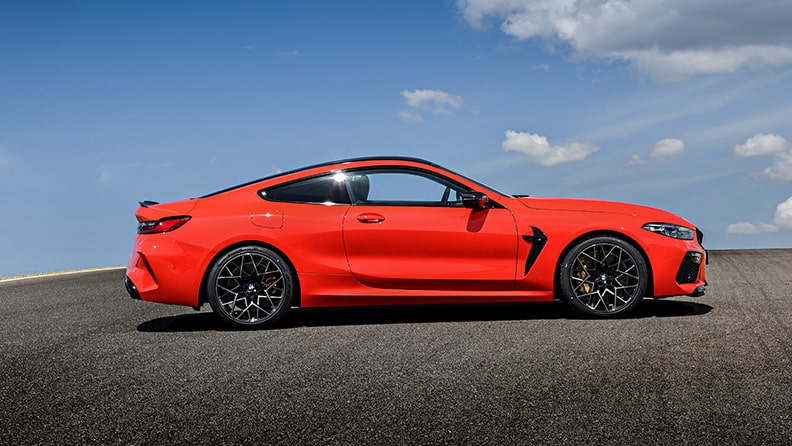 The new BMW M8 and a new P Zero - a high performance duo 01