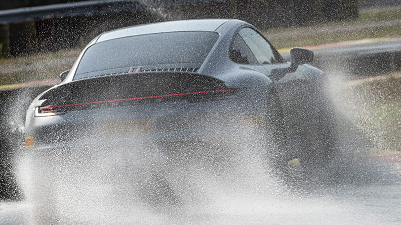 Eight tips for driving in wet weather 02