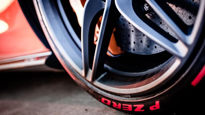 Die Geheimnisse der Herstellung eines Pirelli Sportreifens 02