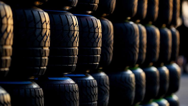 Pirelli: in un solo weekend tante gomme racing da coprire l'Everest 1