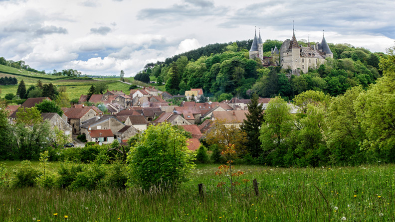 French Round - a hidden world among the châteaux of Burgundy