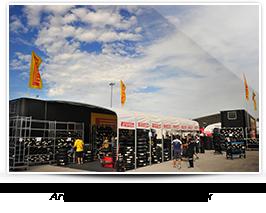Area tecnica Pirelli nel paddock
