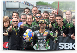 Kenan Sofuoglu celebrating the victory